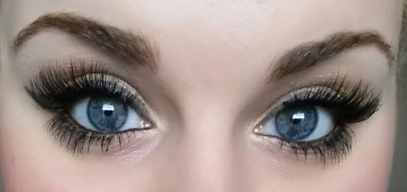 c63367cbf43 Finally, apply a second layer of mascara to your bottom lashes. Be sure to  apply it to the tabs as well as your lashes toward your inner eye.