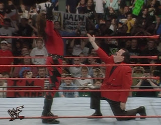 WWF Insurrexion 2000 - Paul Bearer appeared with Kane