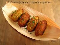 Buñuelos de bacalao con patata y piñones