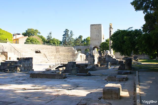Interno del Teatro Romano di Arles patrimonio UNESCO