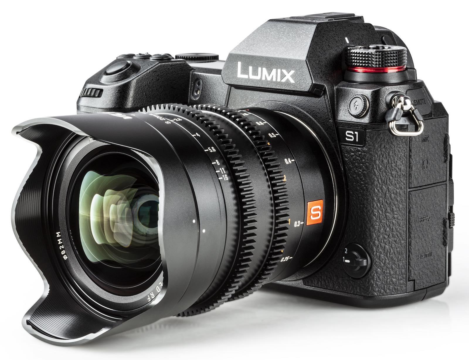 Объектив Viltrox 20mm T2 ASPH с камерой Panasonic Lumix S1