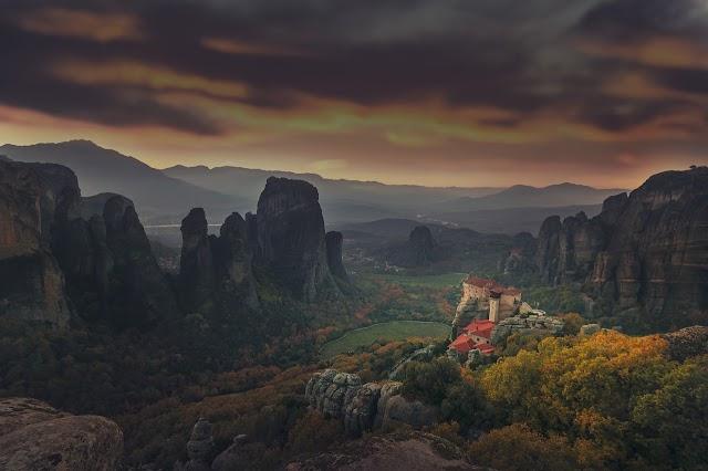 Τα Μοναστήρια των Μετεώρων (Εντυπωσιακές Εικόνες)