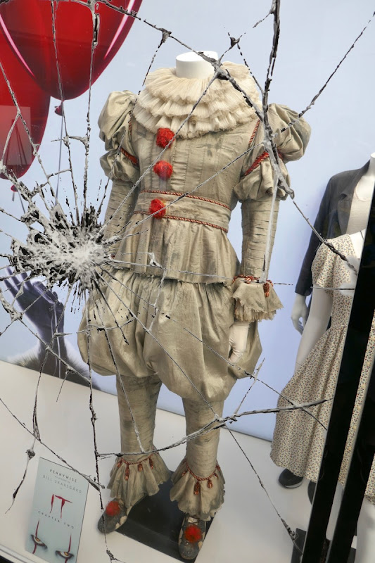 Bill Skarsgård IT Chapter Two Pennywise costume