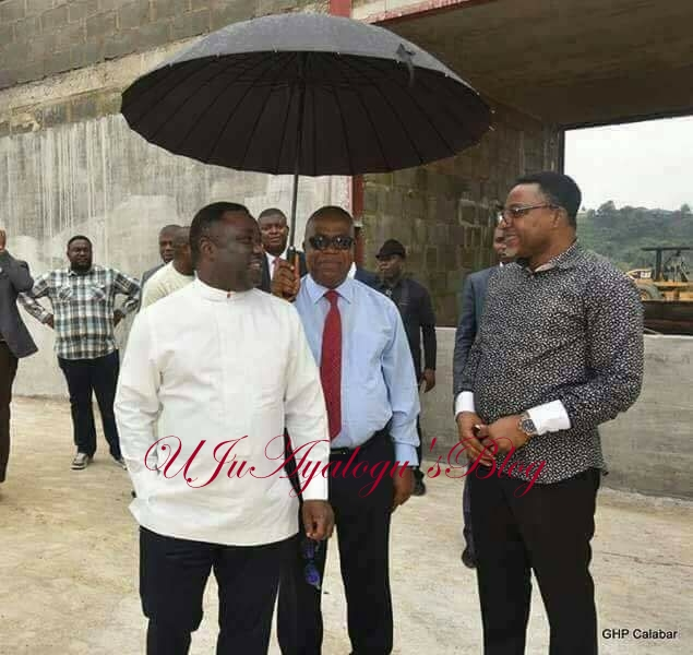 See The Photo of Deputy Gov. Prof. Ivara Esu of C'River Holds Umbrella To Shield The Gov. Ayade That Has Got People Talking