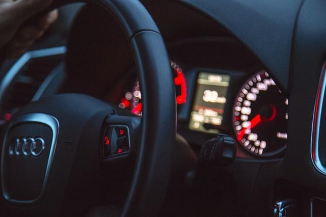 Hukum Wanita Menyetir Mobil / Motor