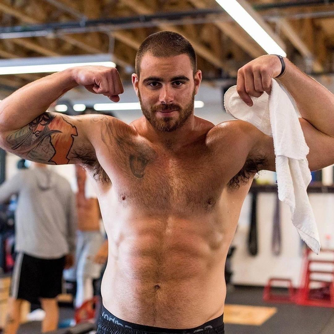 tyler-higbee-gym-bare-chest-hairy-armpits-sweaty-young-man