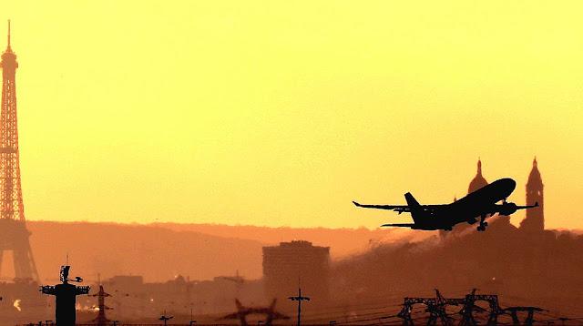 avion despega aeropuerto Charles de Gaulle