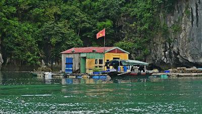 pływające wioski ha long lan ha