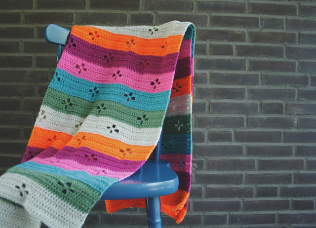 Crochet blanket, retro crochet blanket. Funky 50's blanket by Happy in Red