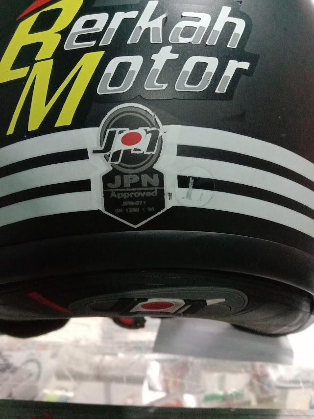 cara-pasang-cutting-sticker-di-helm