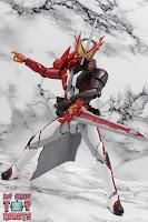 S.H. Figuarts Kamen Rider Saber Brave Dragon 20
