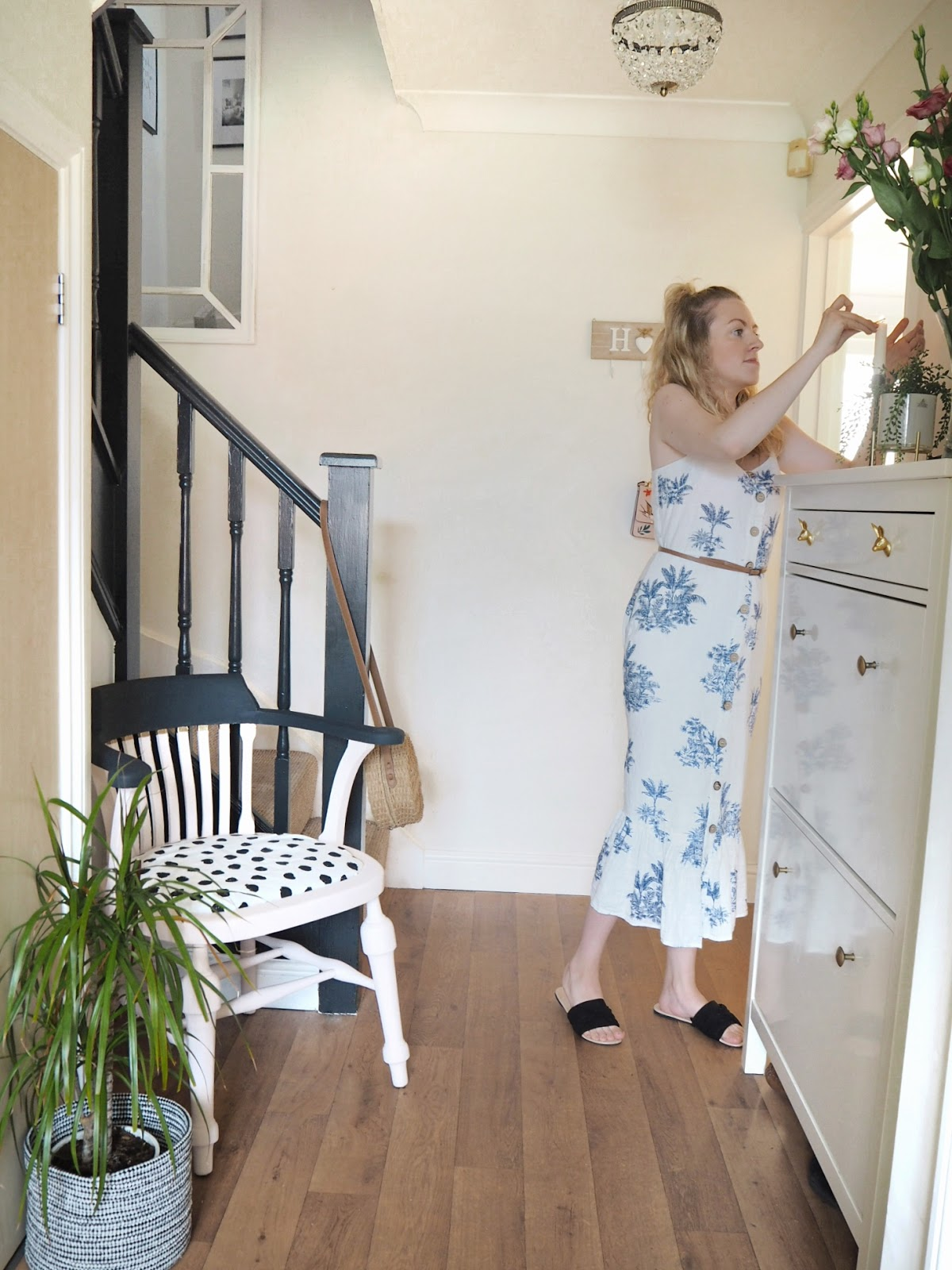 how to invest wisely into a temporary or rented home, without wasting money. keep landlords and future buyers in mind by choosing how to spend on somewhere that isn't your forever home. Investing in furniture you'll love forever, upcycling and transforming furniture without buying new, and making small updates on a budget.