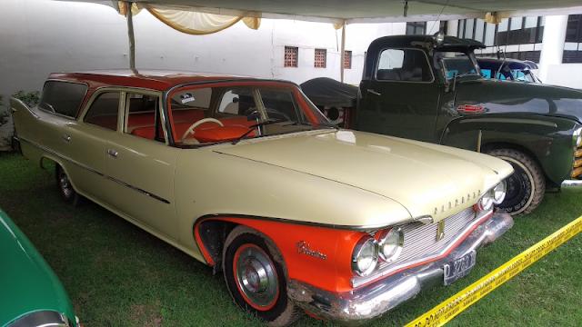 Plymouth Belvedere Custom Suburban 1960