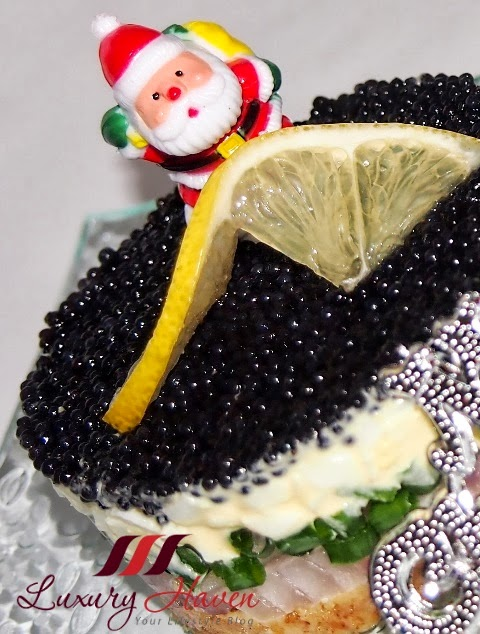 how to make delicious christmas party caviar pies