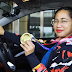 Hidilyn Diaz receives her brand-new gold Kia Stonic