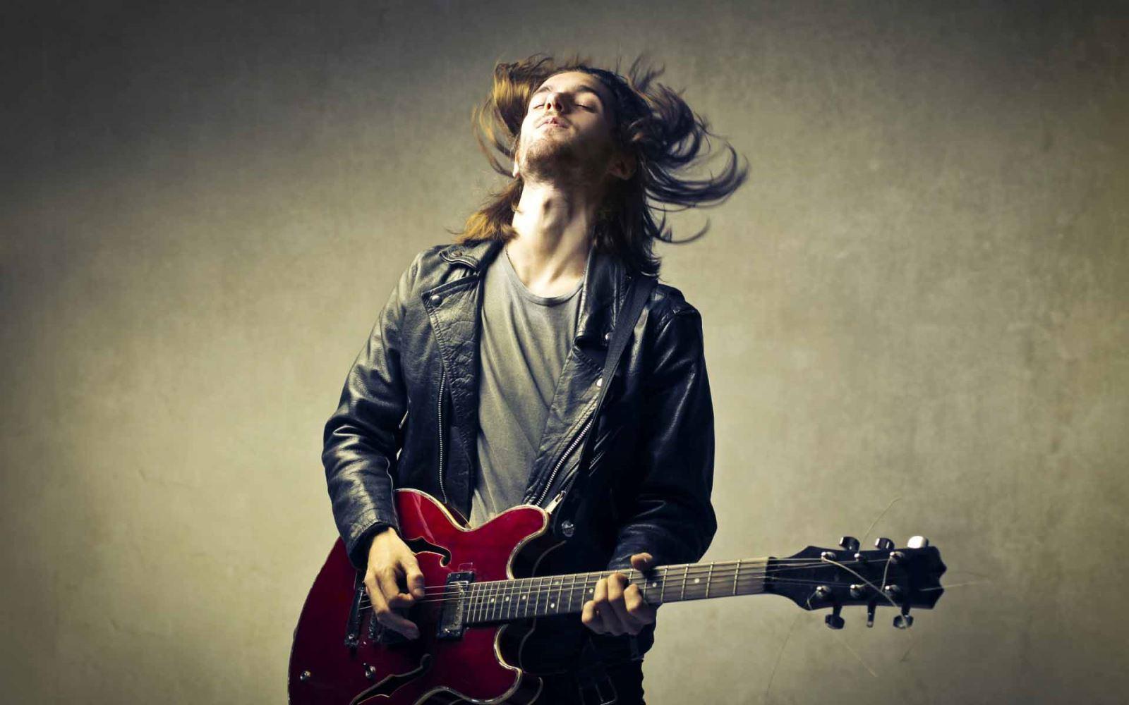 Nếu em yêu một anh chàng biết chơi đà guitar