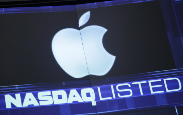d9bd505e368ae454b8f7e5af64d5ab2a Apple shares mark second record high Technology