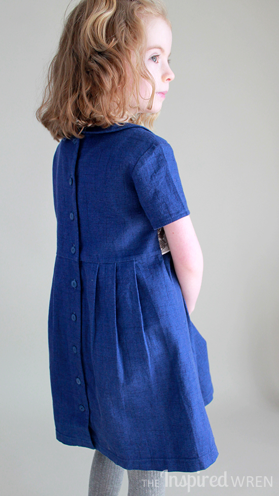Gorgeous pleats! Oliver + S Library Dress in textured blue cotton | The Inspired Wren