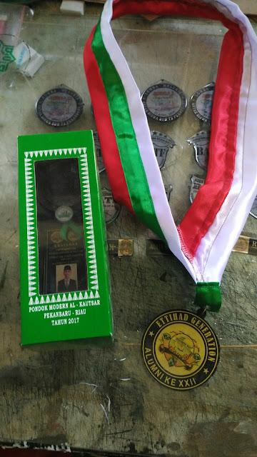 Medali dan Plakat Penghargaan