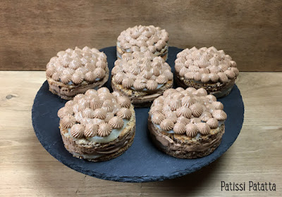 recette de biscuit aux noix de pécan, gâteaux poires et chocolat praliné, noix de pécan, ganache montée au chocolat praliné, poires pochées, pâtisserie maison, remplacer la farine par des noix de pécan, patissi-patatta