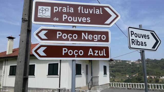 Placa de Lugar de Pouves, Ribas e Praia Fluvial