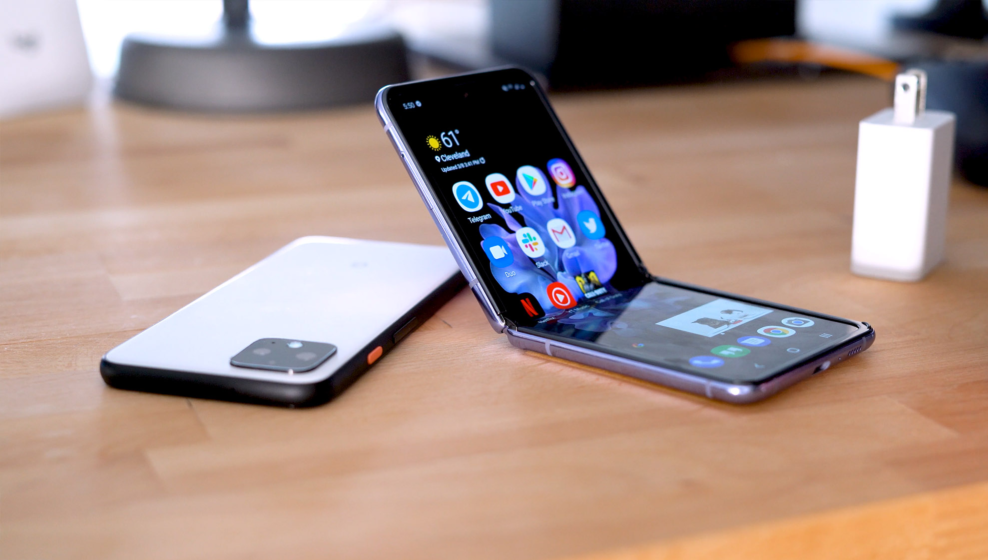 Harga Samsung Galaxy Z Flip Di Tahun 2021 Terbaru
