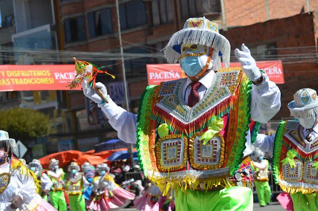 Entrada folklórica de la Virgen del Carmen en la 16 de julio de El Alto