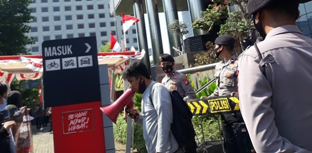 Demo Di KPK, Mahasiswa Desak Pemerintah Batalkan Pembangunan KIT Pekanbaru