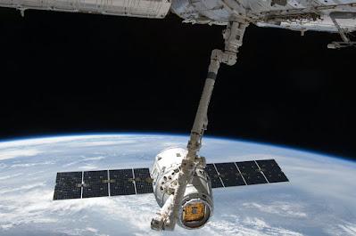 teknologi luar angkasa, luar angkasa, film luar angkasa, film luar angkasa rusia, rusia buat film di luar angkasa, antariksa, amerika buat film di luar angkasa