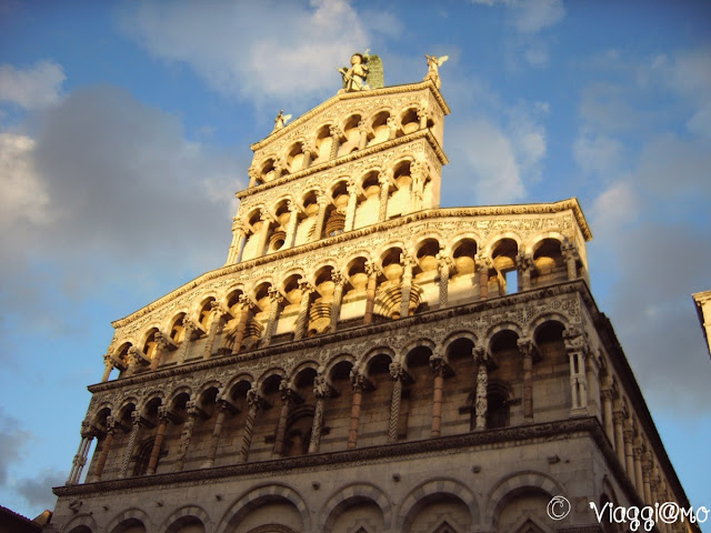 La bella chiesa di San Michele a Lucca, sorge sull'omonima piazza