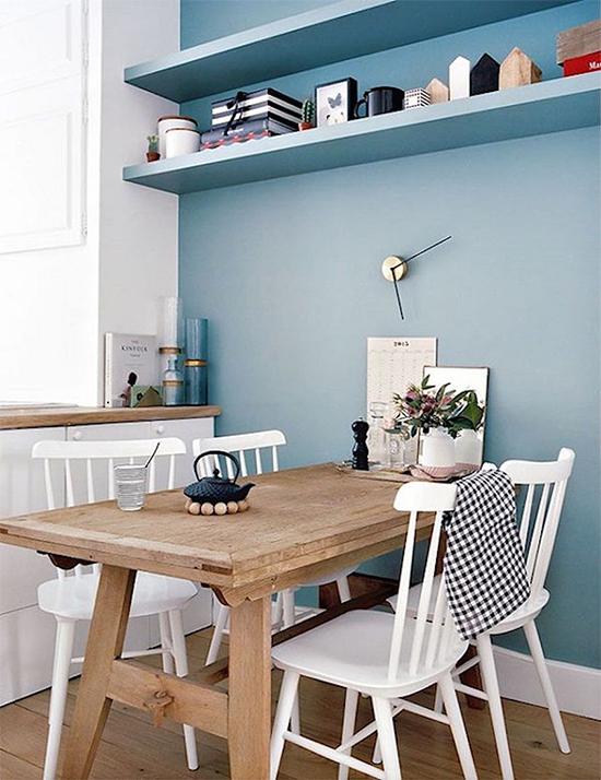 parede azul, copa, mesa de jantar, azul serenidade, serenity, decoração, decor,