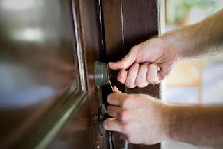 Servicio de cerrajería a domicilio << Granada >>