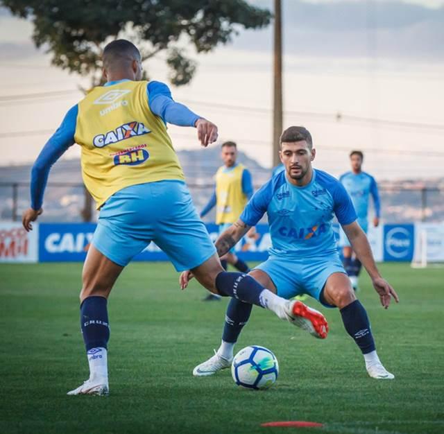 Cruzeiro tem volta de Arrascaeta
