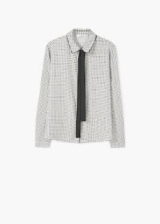 http://shop.mango.com/FR/p0/femme/vetements/chemise/blouses/chemisier-a-ruban-dans-le-cou?id=71089048_02&n=1&s=rebajas_she