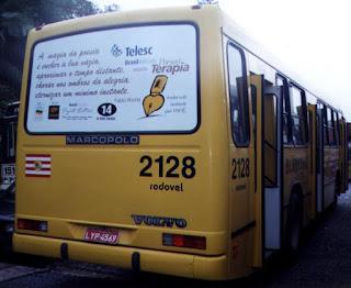 Busdoor de ônibus em Blumenau, 2000 - poema A Magia da Poesia - Fabio Rocha