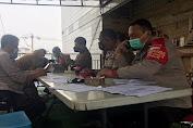 Polsek Balaraja Polresta Tangerang Salurkan Bansos untuk Nakes Puskesmas