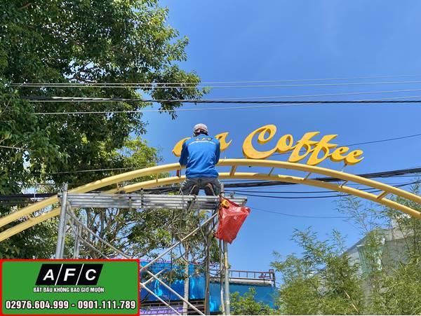 Thi công bảng hiệu quảng cáo Oscar Coffee tại Phú Quốc