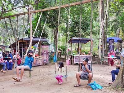 Pasar Djadoel Hutan Wisata Mata Kucing
