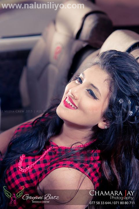 shanudri priyasad in car with boyfriend