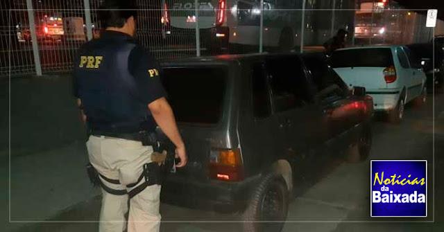 PRF recupera na Via Dutra, em Nova Iguaçu carro roubado há dois anos