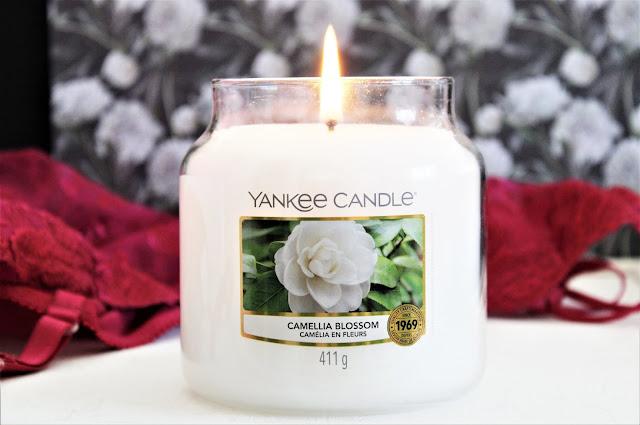 Yankee Candle Camellia Blossom avis, yankee candle camelia en fleurs, camellia blossom yankee candle, avis bougie yankee candle, bougie parfumée yankee candle, yankee candle camelia en fleurs avis, bougie yankee candle camelia en fleurs, blog bougie parfumée