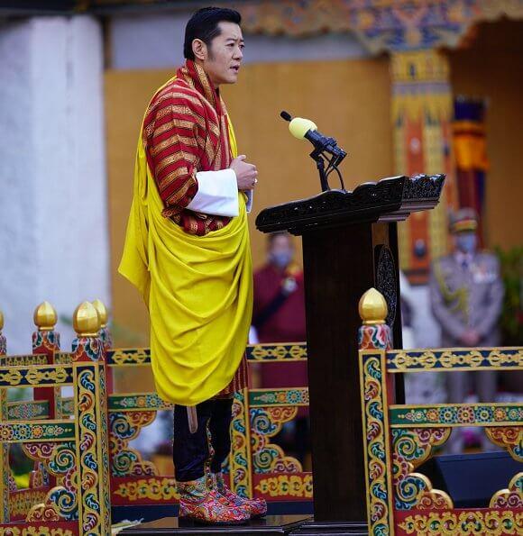 King Jigme Khesar Namgyel, Queen Jetsun Pema and their two children Crown Prince Jigme Namgyel and Prince Ugyen Wangchuck