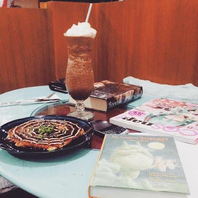 Manga Toshokan Cafe