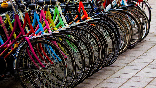 Η αστυνομία στη Σπάρτη καλεί του πολίτες να αναγνωρίσουν τα ποδήλατα τους