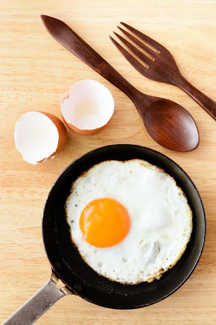 receta fácil del huevo frito