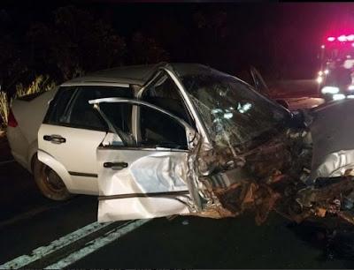 Foto de carro acidentado em Andradina