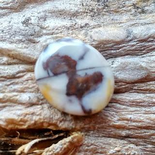 Batu Mustika Ular Kobra Hitam