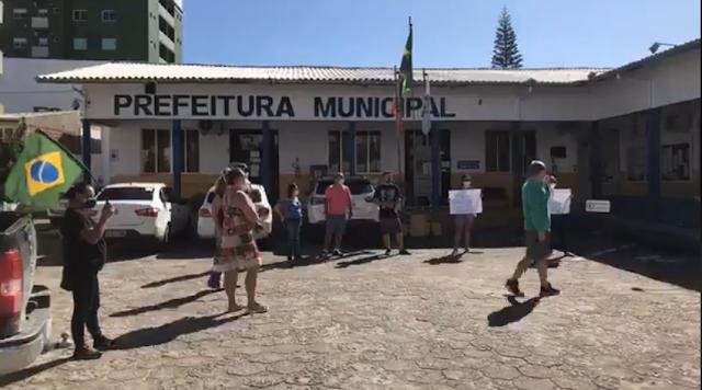 Comerciantes fazem manifestação em Itapema
