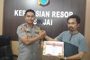 Wargata.com Kembali Terima  Certificate of apreciation dari Kapolres Sinjai