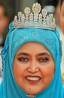 yellow diamond tiara queen saleha brunei